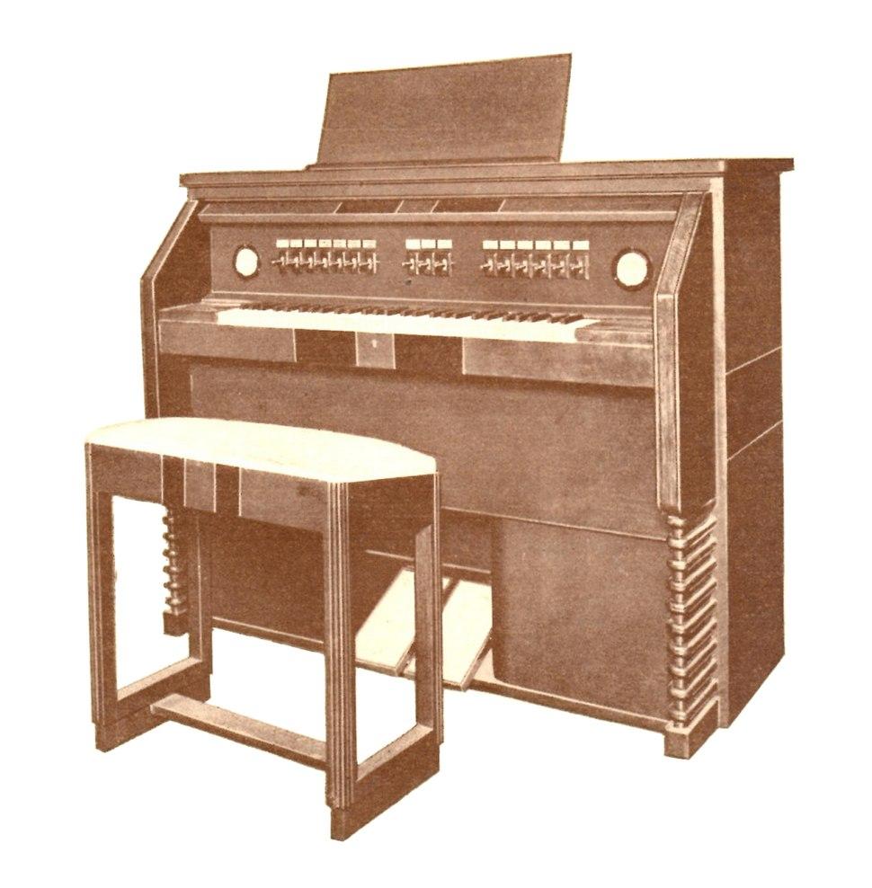 Yamaha Magna Organ (1935) Console (cropped)