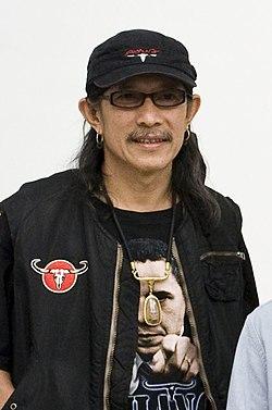 Yuenyong Opakul.jpg