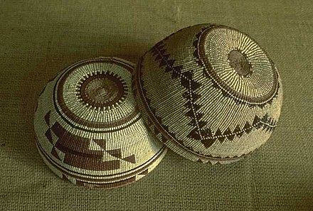 Yurok women's basketry caps, Northern California Yurok 20061109192219.jpg