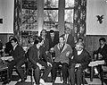 Zestig Turken wachten op werkvergunning hier in hotel te Amsterdam De leider Tu, Bestanddeelnr 915-6562.jpg