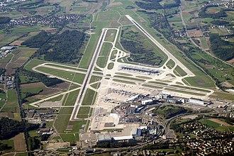 Zürich Airport - Image: Zurich airport img 3324