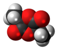 (R,R)-Lactide molecule spacefill.png