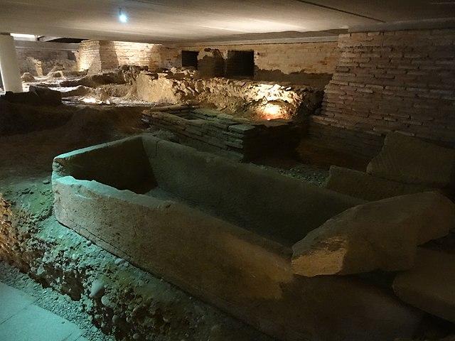 File glise saint pierre des cuisines 04 jpg wikimedia commons - St pierre des cuisines toulouse ...