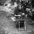 Žena pripravlja statve za tkanje trakov, Podlož 1962 (2).jpg