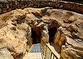 כניסה למערות נוספות.jpg