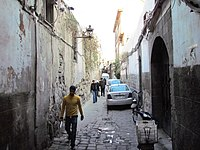 حارة فرعية سوق بزورية دمشق سوريا.JPG
