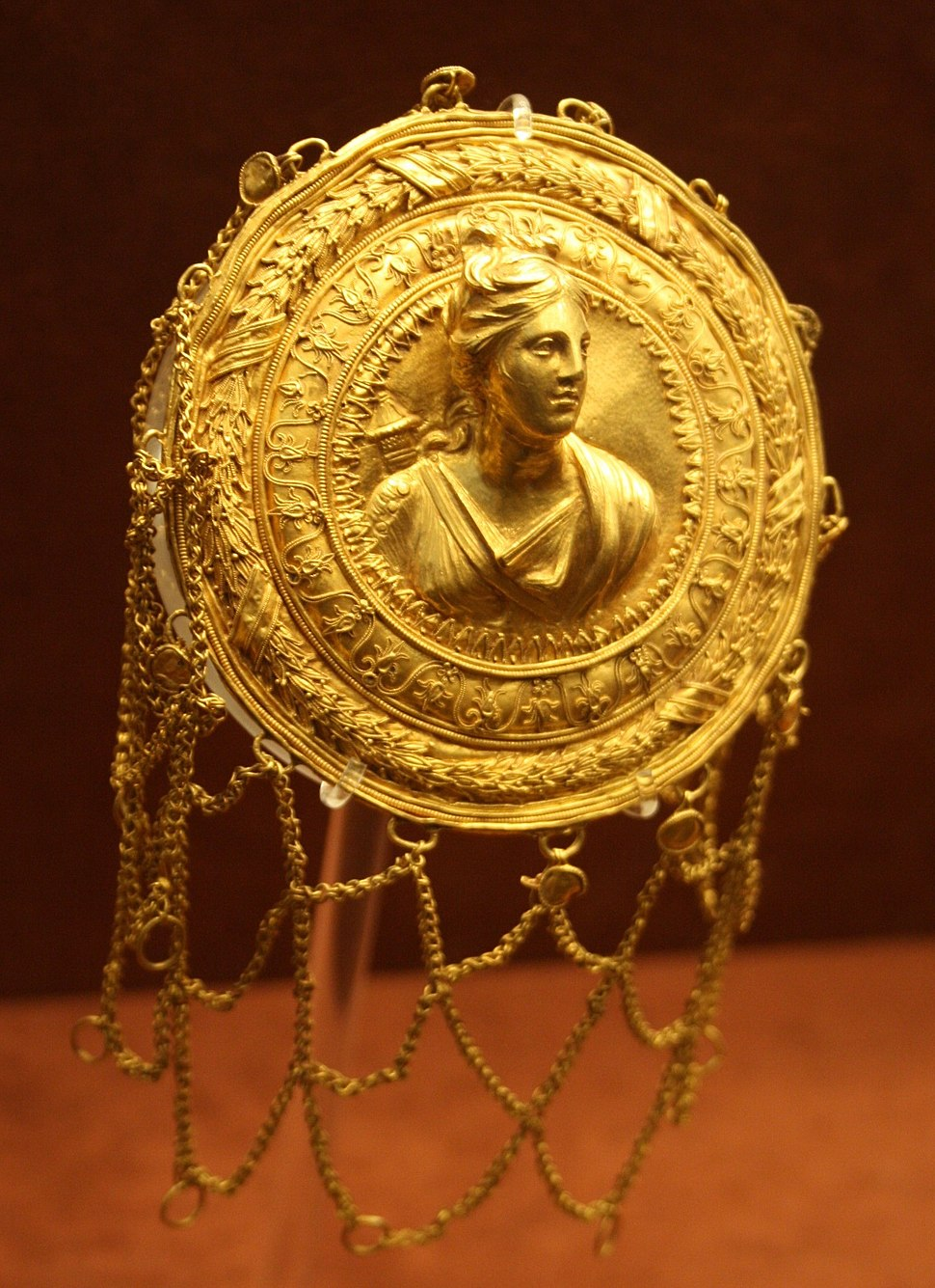 0320 - Archaeological Museum, Athens - Gold hairnet - Photo by Giovanni Dall'Orto, Nov 11 2009