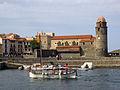 111 Església dels Àngels, barca i escullera del port.jpg
