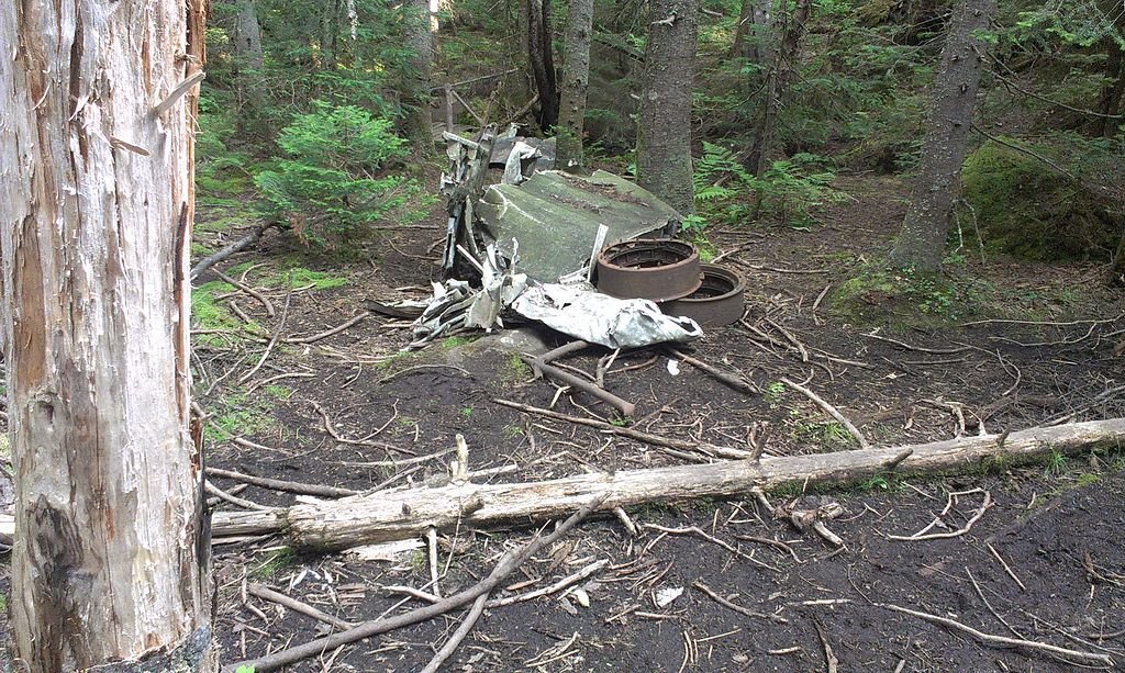 File:1943 Saint-Donat B-24D Liberator crash site aircraft ...