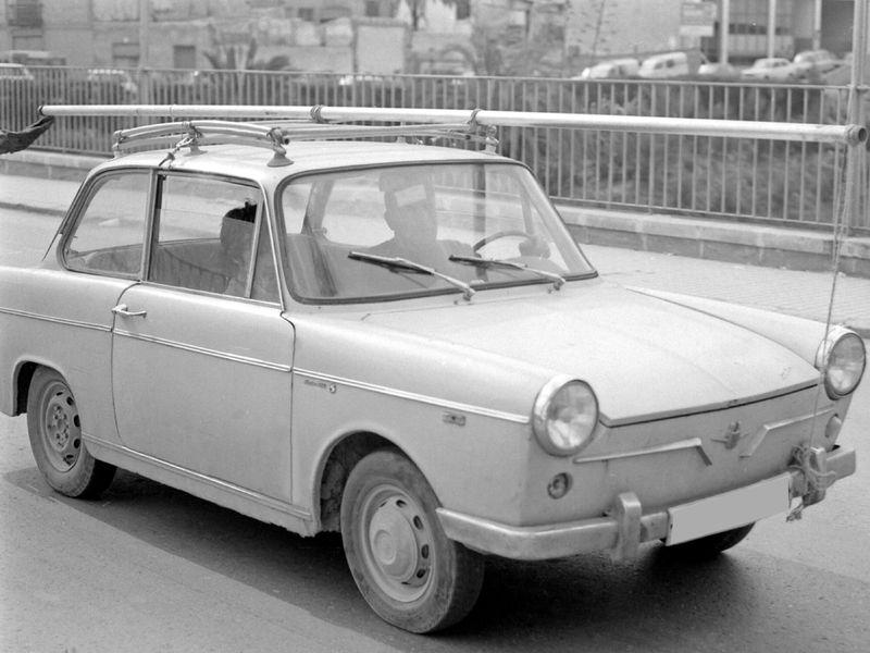 Siata Española 800px-1965_Siata_Tarraco_Front