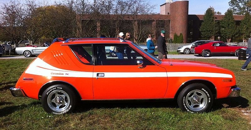800px-1977_AMC_Gremlin_X_-_Hershey_2012_