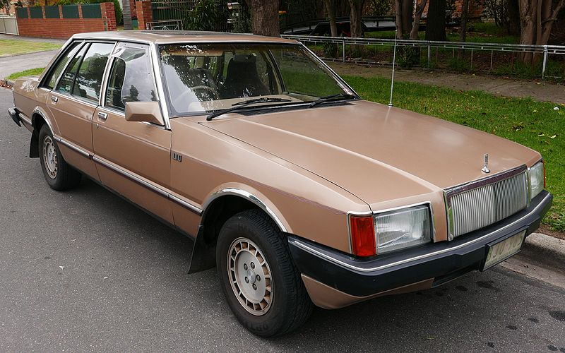 800px-1982_Ford_LTD_(FC)_sedan_(2015-05-