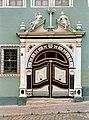 19850701410NR Arnstadt Portal Markt 3 Haus zum Palmbaum.jpg