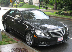 2010 Mercedes-Benz E550 sedan (US)