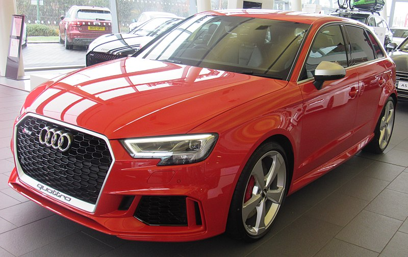 Datei:2017 Audi RS 3 Sportsback Quattro Front.jpg