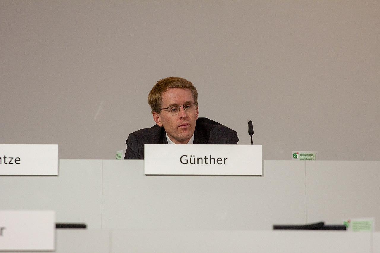 2018-12-07 Daniel Günther CDU Pateitag in Hamburg-2519.jpg