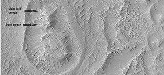 Schiaparelli (Martian crater) - Image: 25201ringclose