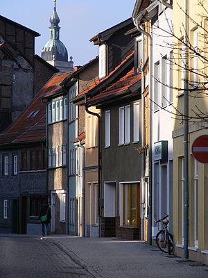 Bach House (Eisenach) - Street view of the house Lutherstraße 35 (center dark grey)