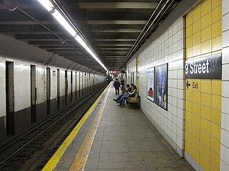 Fourth Avenue/Ninth Street (New York City Subway) - Platform towards Manhattan