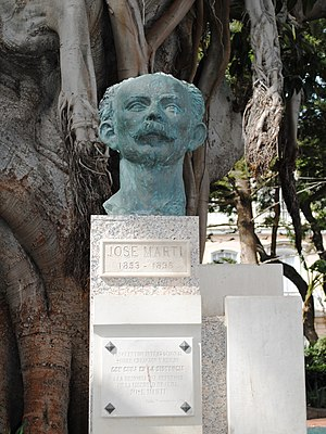 Latin American poetry - Monument of Martí in Cádiz, Spain