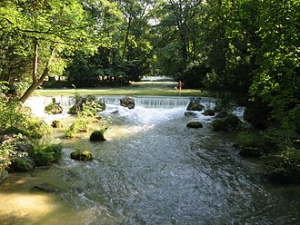 Eisbach (Isar) - Small waterfall of the Eisbach