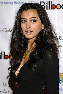 Academy Awards afterparty CUN Noureen DeWulf.jpg