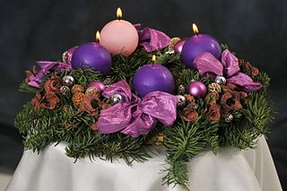 advent colors of pink and purple