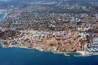 Aerial view of Antibes in 2012 (2).jpg