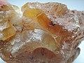 Agate chalcedony quartz SiO2 (39379585552).jpg