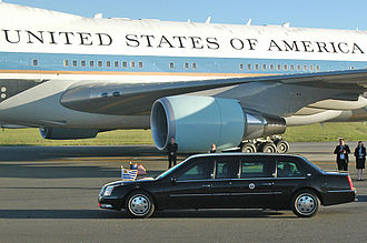 Transportation of the President of the United States - The presidential state car and the Air Force One during a state visit in 2007