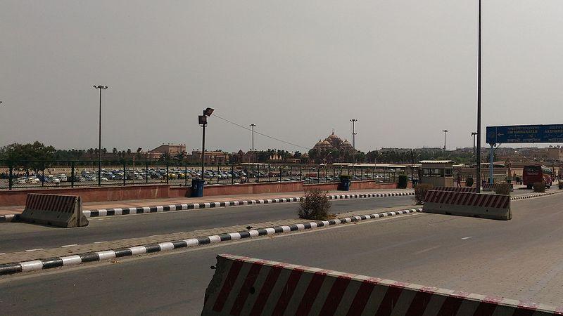 File:Akshardham Temple Delhi 4.jpg