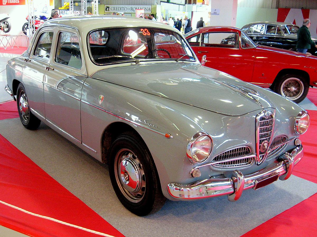 Alfa Romeo 1900 berlina (front view).jpg