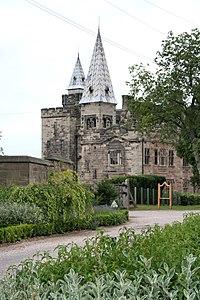 Alton Castle - geograph.org.uk - 1711966.jpg