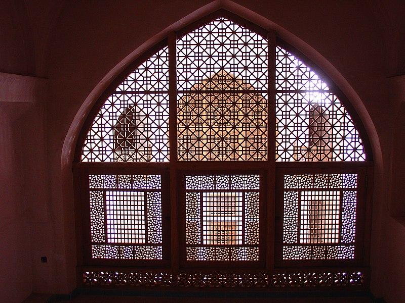 File:Amerian House lattice interior.jpg