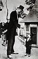 An abnormally tall and an abnormally small man; the former a Wellcome V0029655.jpg