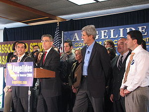 Phil Angelides - From left: Antonio Villaraigosa, Angelides, John Kerry, Cruz Bustamante and Fabian Núñez at a rally for Angelides' gubernatorial campaign