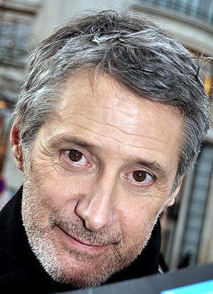 Caunes, Antoine de (1953-)