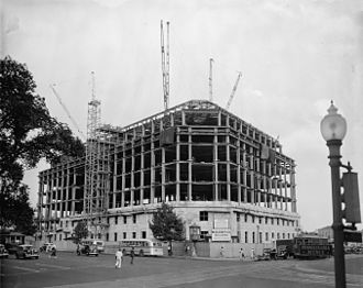 Federal Triangle - Construction of the Apex Building in 1937