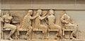 Assemblée des Dieux (trésor de Siphnos).JPG