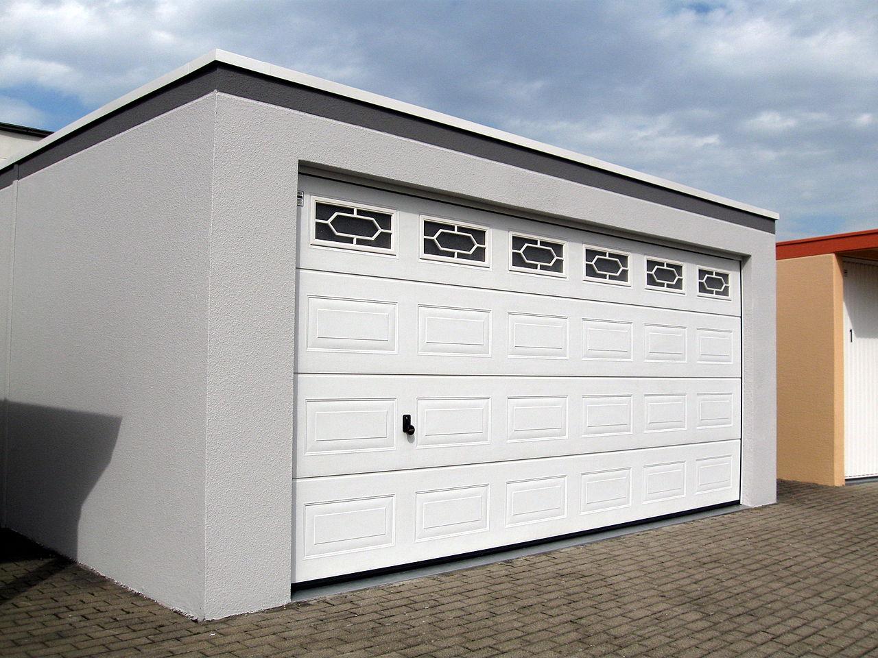 Datei:Ausstellung Garagen Großraumgarage 2012.jpg – Wikipedia