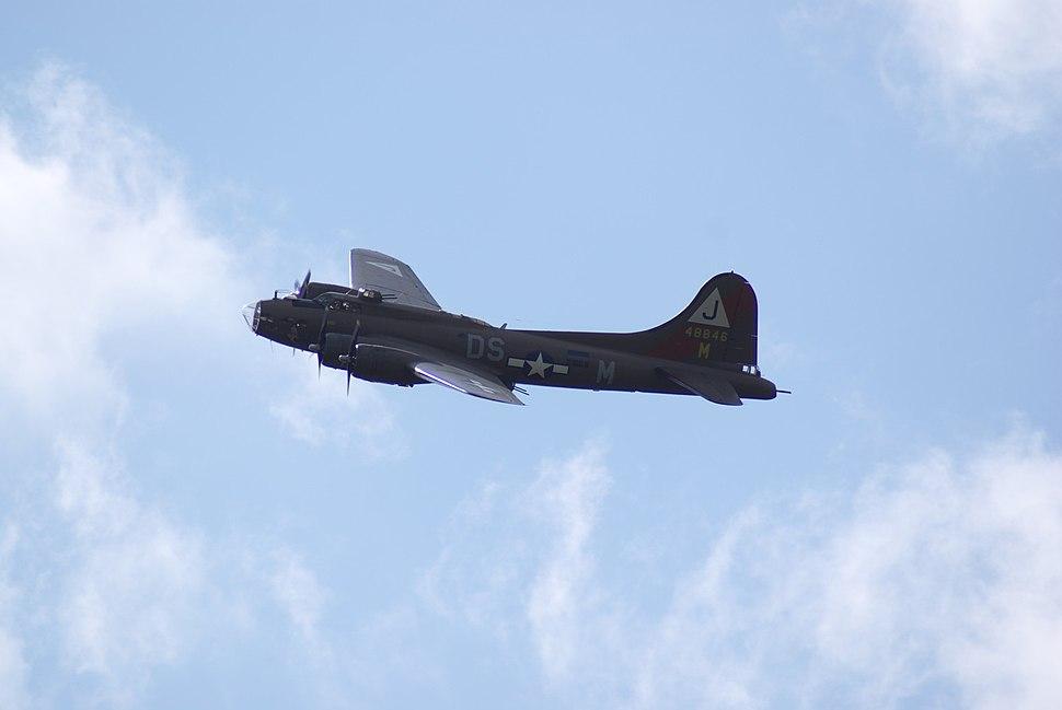 B-17 Flying Fortress F-AZDX Hahnweide 2009