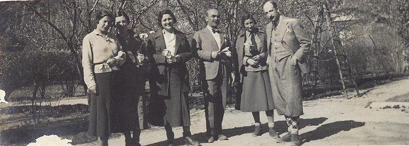 File:BASA-3K-15-259-5-Bulgarian royal family on picnic.jpeg