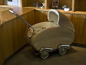 English: Pram (baby transport)
