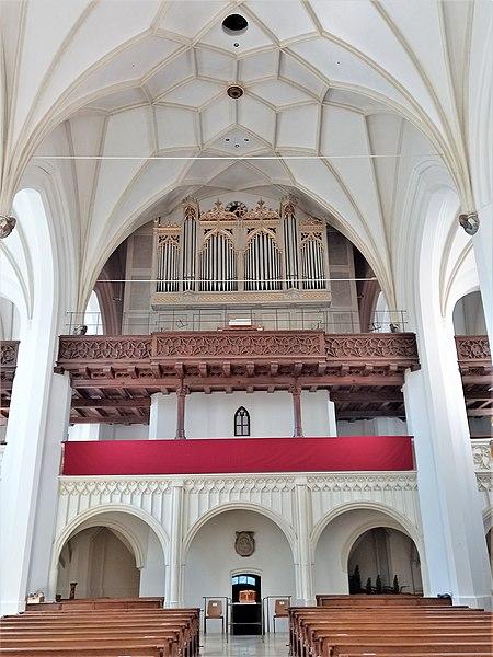 Datei:Bad Tölz, Stadtpfarrkirche Mariä Himmelfahrt (Innenansicht) (4).jpg