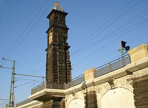 Dresden Mitte station -  Surviving corner pylon of the former train shed
