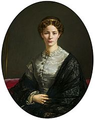 Portrait of a lady in a lace shawl.