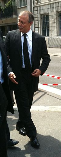 Bernard Lacombe en 2012.jpg
