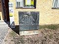 Bernau ADGB-Schule Gedenkstein Hermann Duncker.jpg