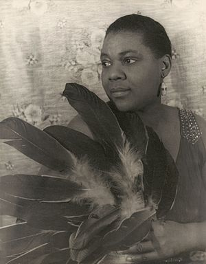 Bisexuality in the United States - Blues singer Bessie Smith had relationships with both men and women (photo by Carl Van Vechten)