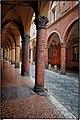 Bologna spettacolo Portico di via Castiglione.jpg